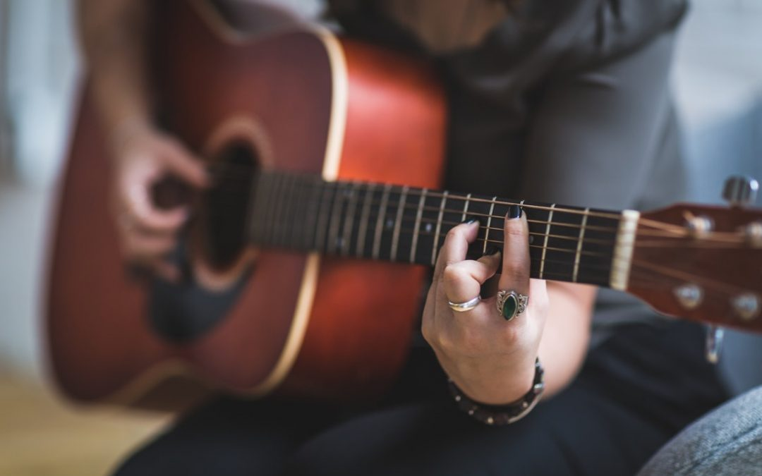 Taking Guitar Lessons Online – Facts You Should Remember